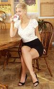 Chloe Camilla - 4da9de76ccf3b