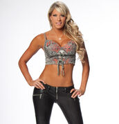 Kelly Kelly 32