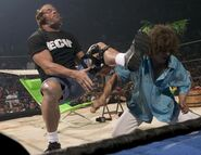 June 27, 2005 Raw.5