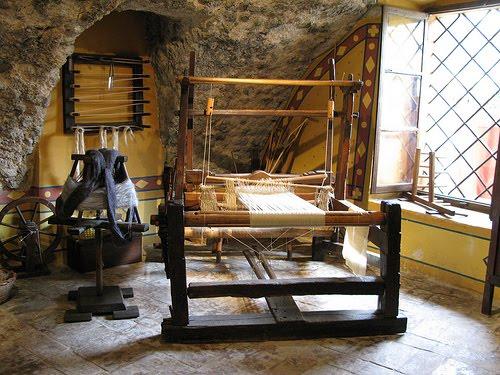 File:Ancient loom.jpg