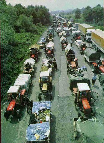 File:Serb refugees.jpg
