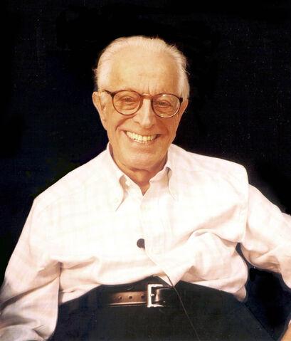 File:Albert Ellis 2003 seated.jpg