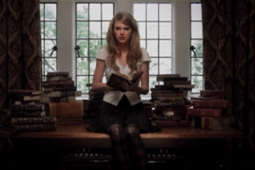 File:Taylor Swift 0001.png