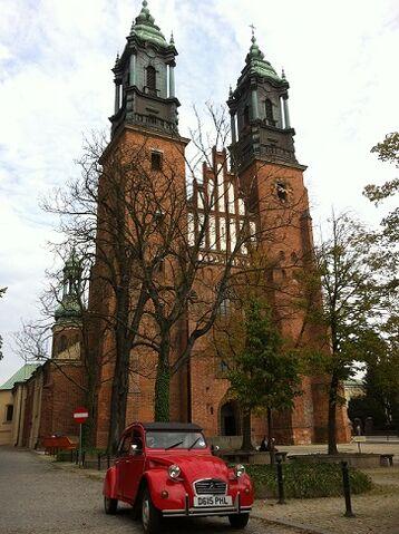 File:Poppy at Poznan Cathedral.jpg