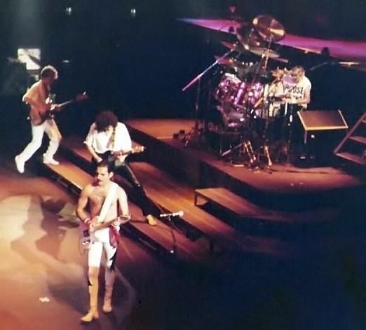 File:Queen 1984 012.jpg