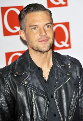 File:Brandon-flowers-q-awards-2012-02.jpg