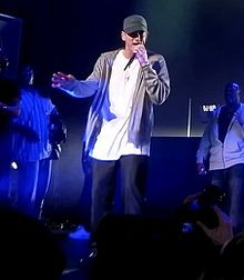 File:220px-Eminem at DJ hero party with d12.jpg
