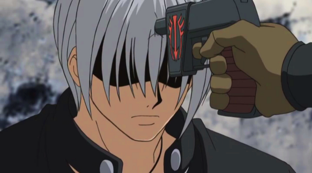 File:Slade Pointing a Gun at Gale's head.png