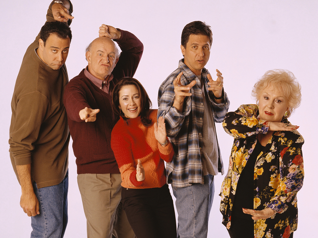 File:Everybody-Loves-Raymond cast 1024-768.jpg.png