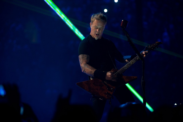 File:James Hetfield.png