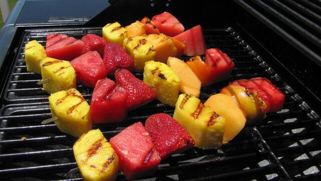 File:Grilledfruitkabobs.jpg