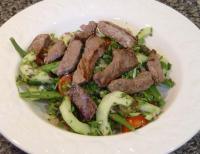 File:Thai Beef Salad.jpg