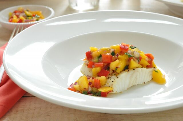 File:Sea-bass-with-mango-salsa-second-good-1024x680.jpg