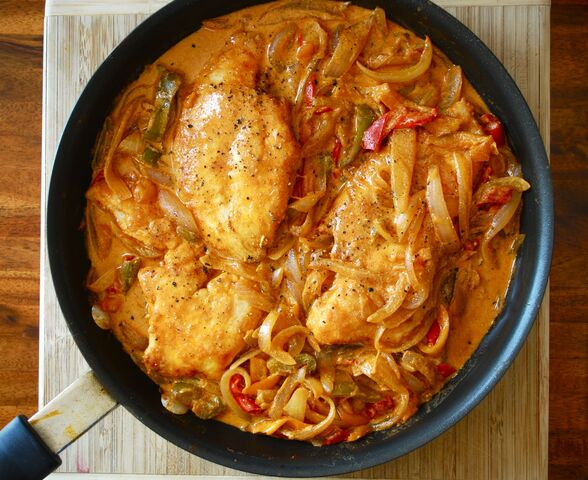 File:Chicken-paprikash.jpg
