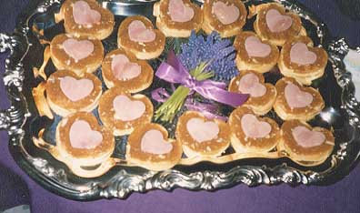 File:Smoked Ham Salad on Gruyere Potato Coins.jpg