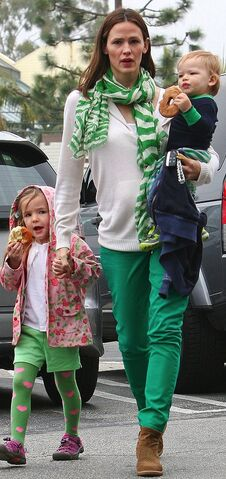 File:Jennifer-Garner-got-St-Patrick-Day-spirit-year-when.jpg
