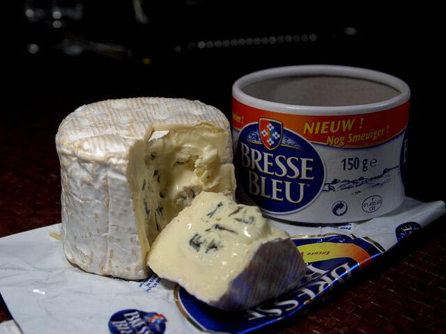 File:Bleu de Bresse.jpg