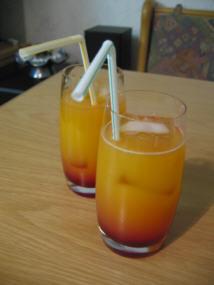 File:Cocktail peach lady.jpg