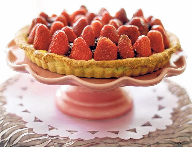File:Strawberrycrowntart.jpg