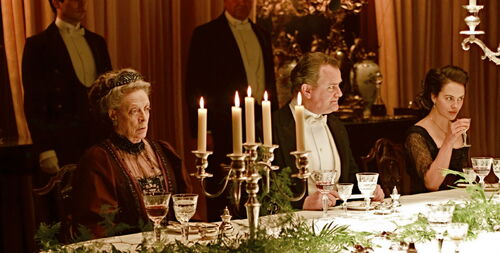 Downton-abbey-dinner-table