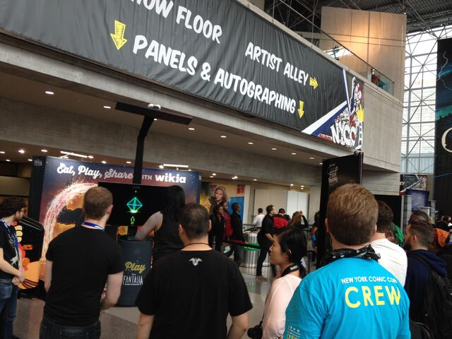 File:NYCC-2014 WikiaLive 0006.JPG