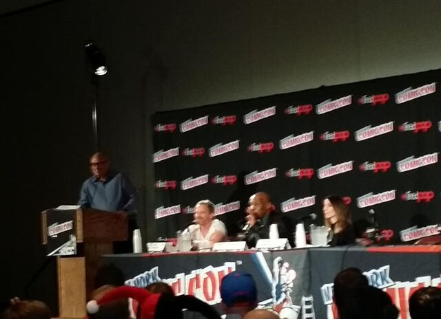 File:NYCC-2014 WikiaLive 0037.jpg