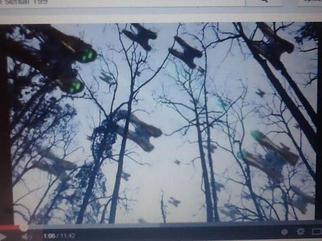 File:Armada flys left.jpg