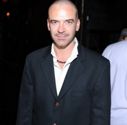 alan van sprang height