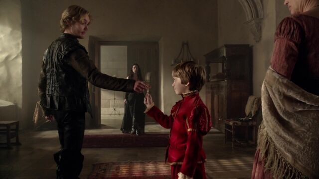 File:Normal Reign S01E07 Left Behind 1080p KISSTHEMGOODBYE 0132.jpg