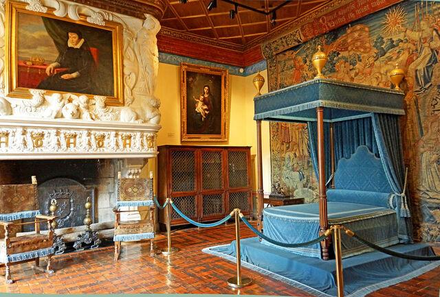 File:Bedroom of Diane de Poitiers.jpg