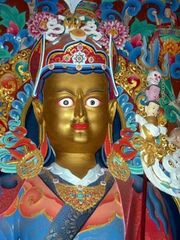 Guru Rinpoche - Padmasambhava statue