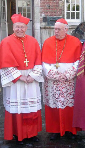 File:Kardinaal III Danneels en Kasper.JPG