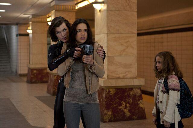 File:Resident-evil-Retribution-2012.jpg