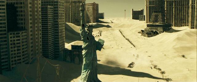 File:Extinction-Las-Vegas.jpg