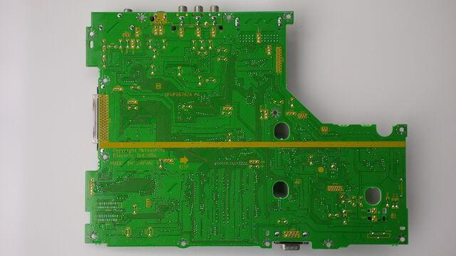 File:FZ-10 mainboard underside 01.jpg
