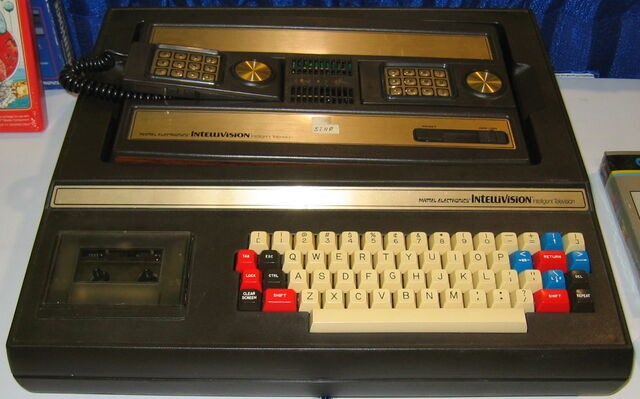 File:Intellivision with Keyboard component .jpg