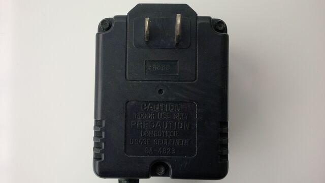 File:Sega Genesis model 2 MK-2103 10V power supply 02.jpg