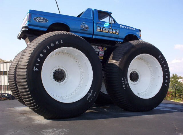 File:Bigfoot Monster Truck.jpg