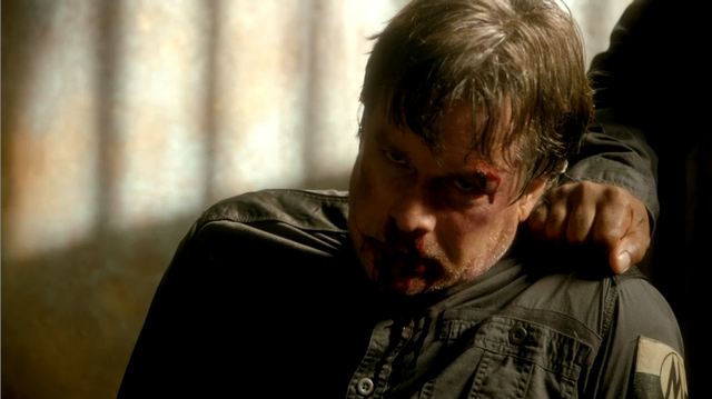File:Faber Beaten 1x08.PNG