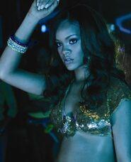 Rihanna-f96ce5c4cd3b94c48ea27065e88c35d9