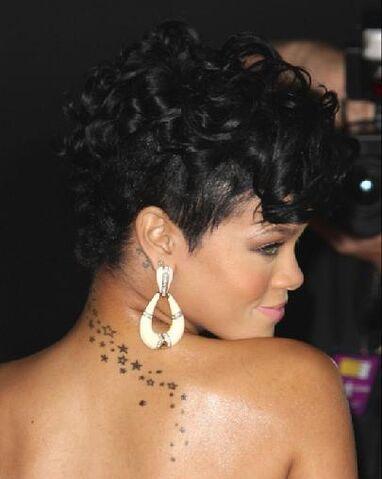 File:Rihanna-stars-tattoo1.jpg