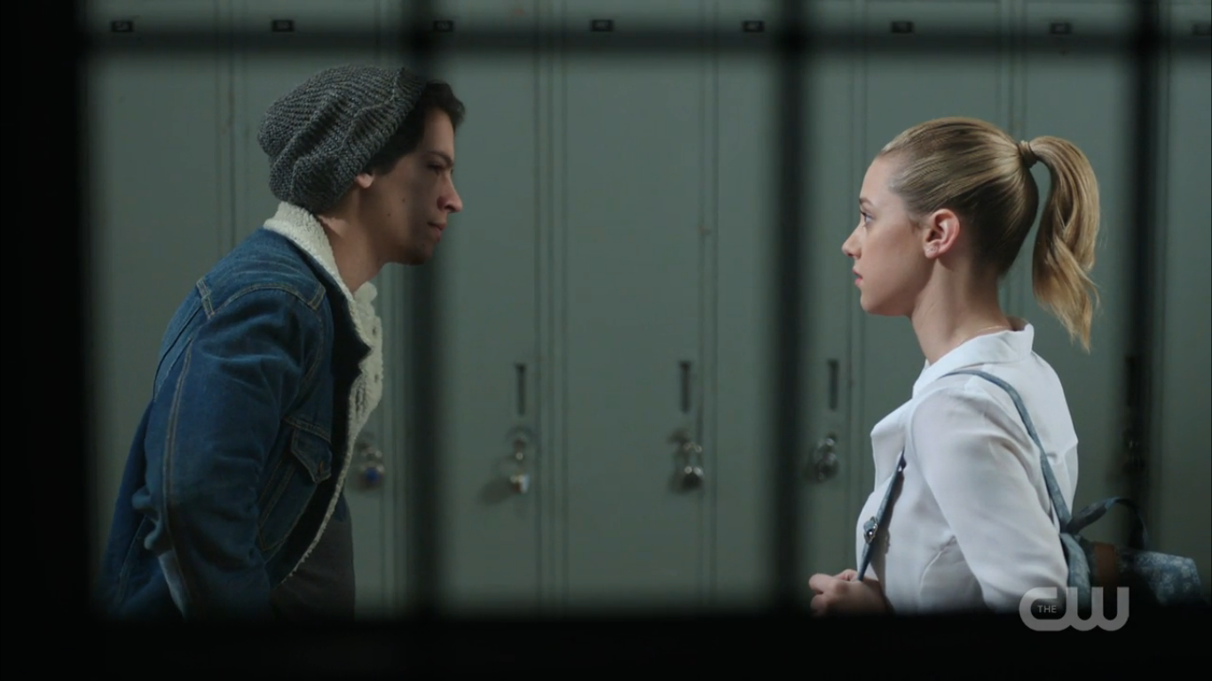 Are jughead and betty dating in season 2