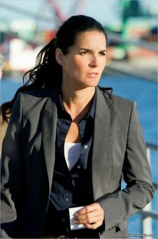 File:Episode-2-09-Gone-Daddy-Gone-Promotional-Photos-rizzoli-and-isles-24819255-330-500.jpg