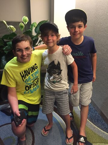 File:Peter, Jacob & JakeTremblay.jpg
