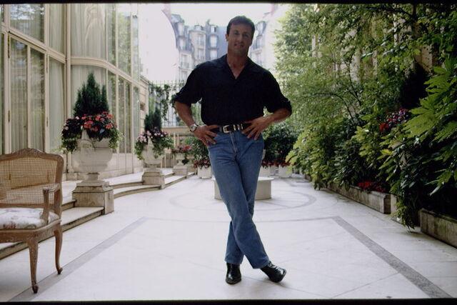 File:Sylvester Stallone outfit forearms47ea5516e723bac5f03b9f5ce5de6d65.jpg