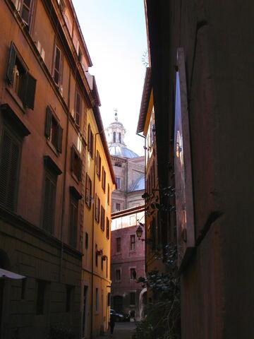 File:2011 Chiesa Nuova dome.jpg