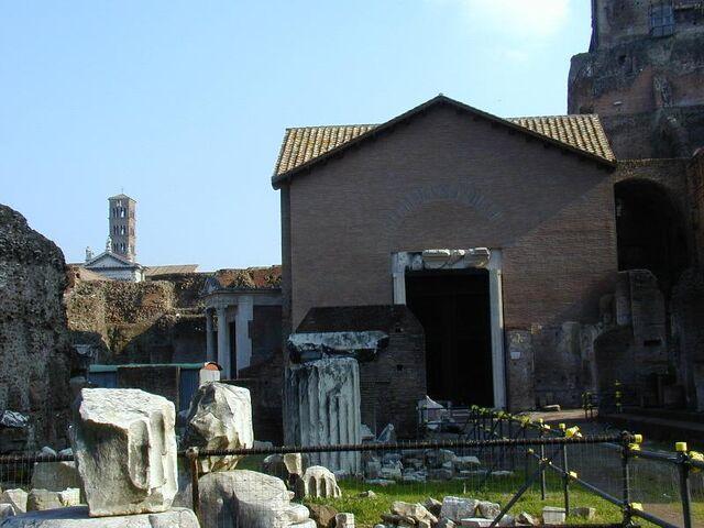 File:Campitelli - 010218 Foro 04 santa maria antiqua.JPG