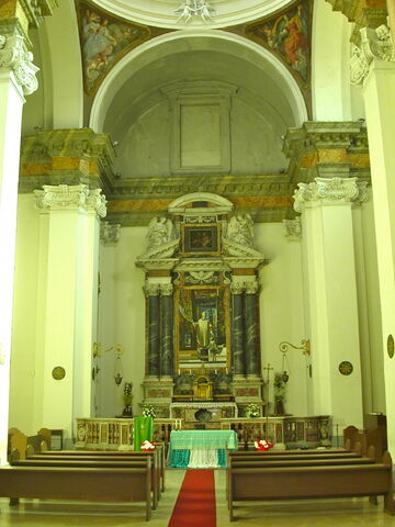 File:2011 Ambrogio, interior.jpg