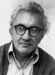438px-Mircea Ivanescu