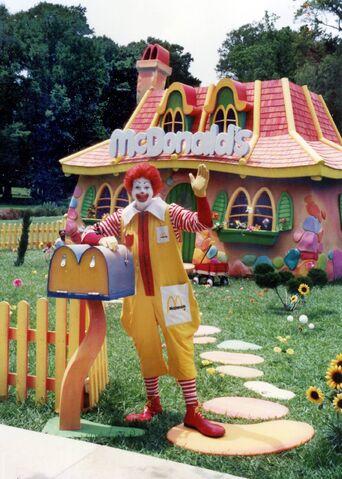 File:Ronald's House.jpg